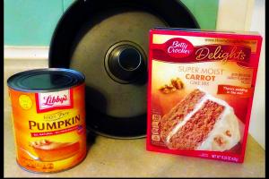 Two-Ingredient Pumpkin Cake +BONUS Ricotta Glaze Recipe!
