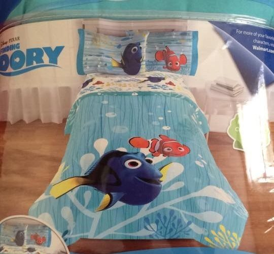 $5 Finding Dory Comforter at Walmart!!