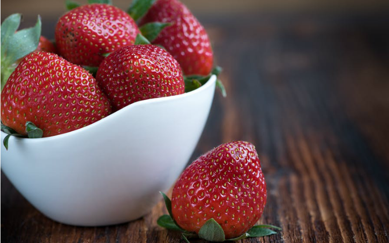 $1.69 for 1lb. of Strawberries~ Now That's SWEET!! (3/2-8)