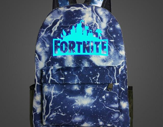 FORTNITE GLOW IN THE DARK BACKPACK! RUN RUN RUN!!!!!!
